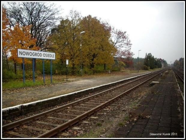 Nowogród Osiedle - peron II