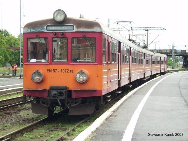 EN57-1072 w Opolu Głównym