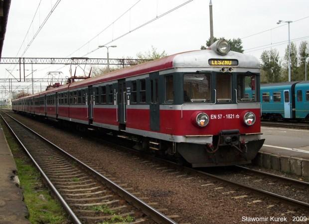 EN57-1821 na stacji Toruń Główny