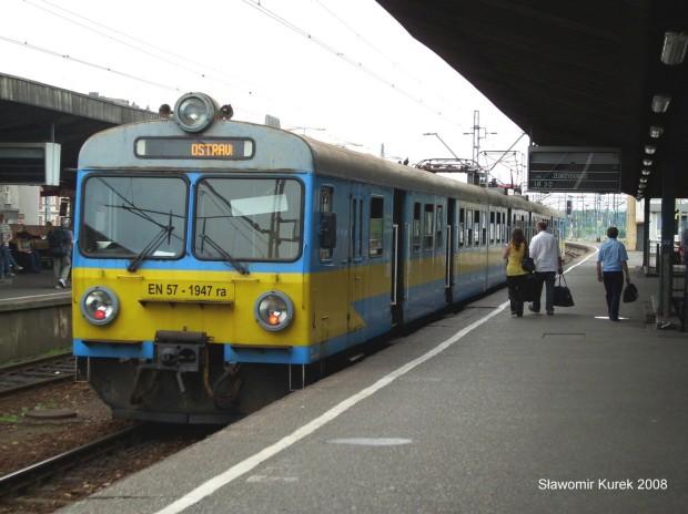 EN57-1947 na stacji Katowice