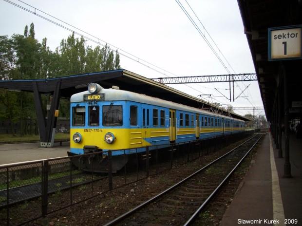 EN57-770 na stacji Toruń Główny