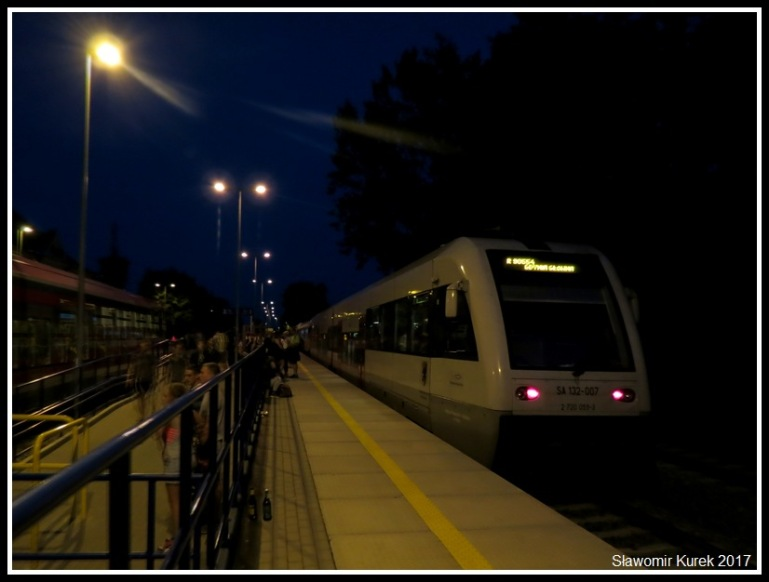 Władysławowo - stacja nocą 3