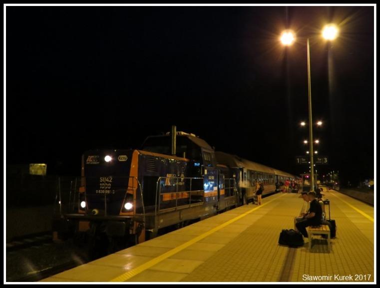 Władysławowo - stacja nocą 4