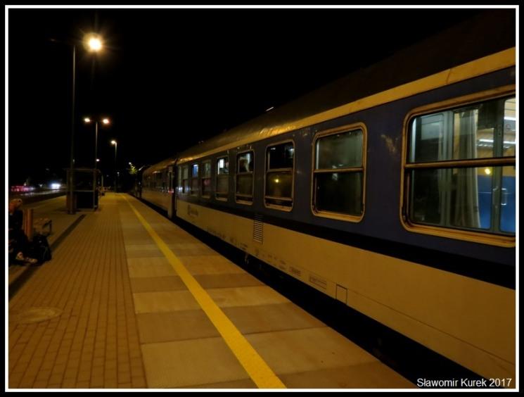 Władysławowo - stacja nocą 1