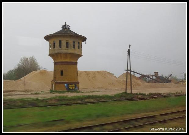 Rokitki z okna pociągu - wieża
