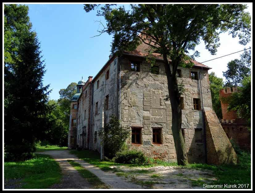 Broniszów - zamek 1