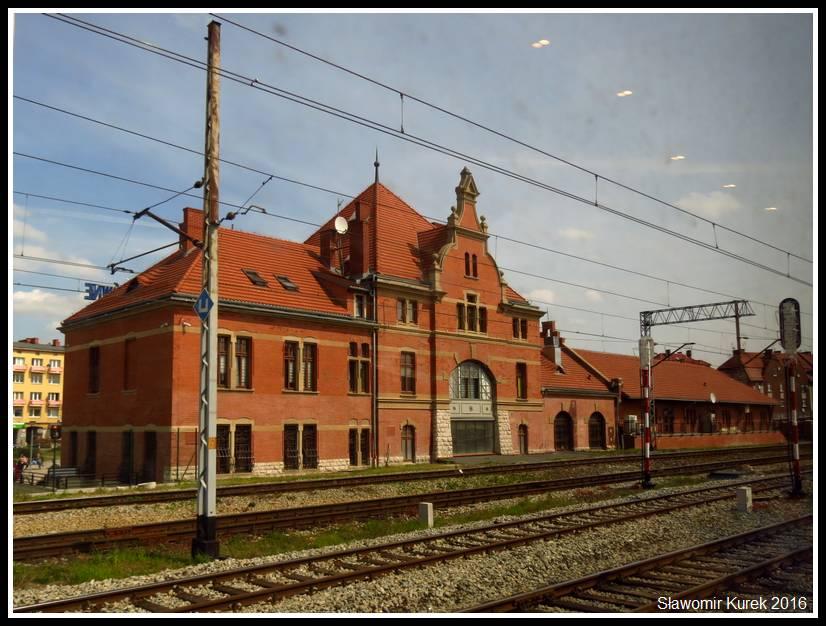 Opele Główne - budynek dworca