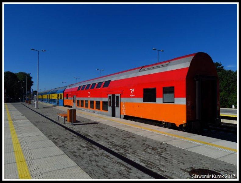Wagony piętrowe Bhp (2)